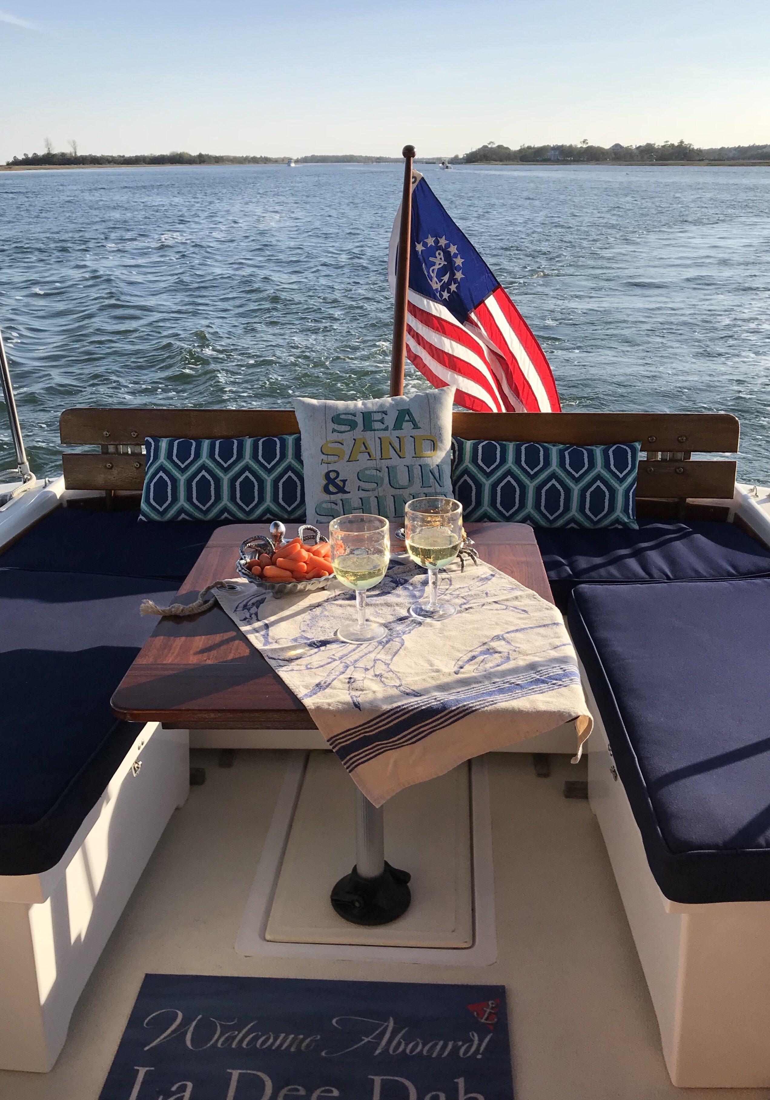 La Dee Dah Sunset Crusises Boat